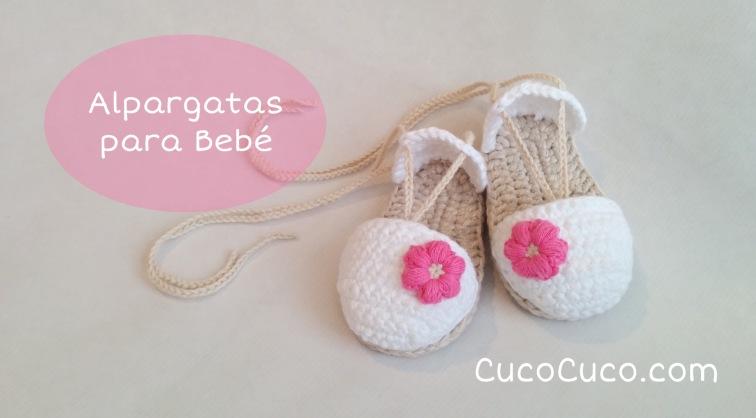 Alpargatas o sandalias para bebé tejidas a crochet
